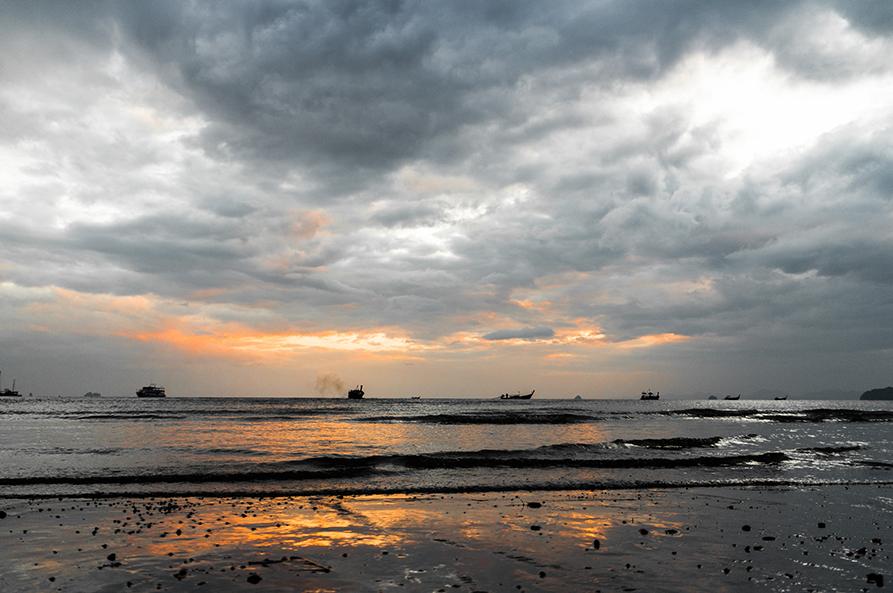 coucher-soleil-thailande-bateaux