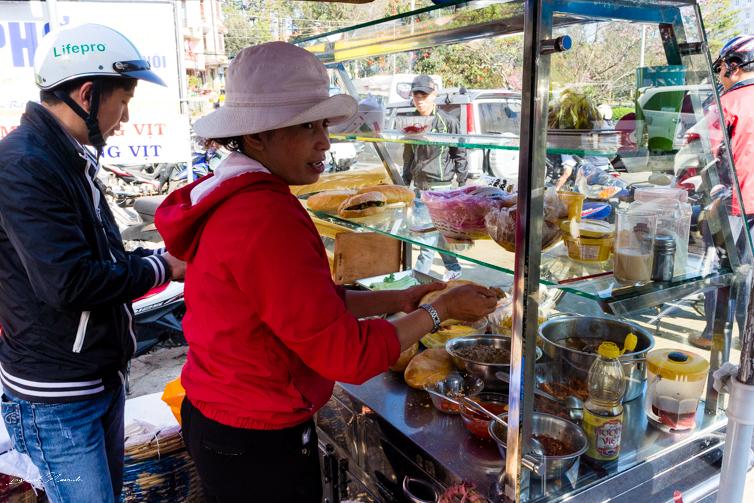 banh-mi-vietnam-street-food