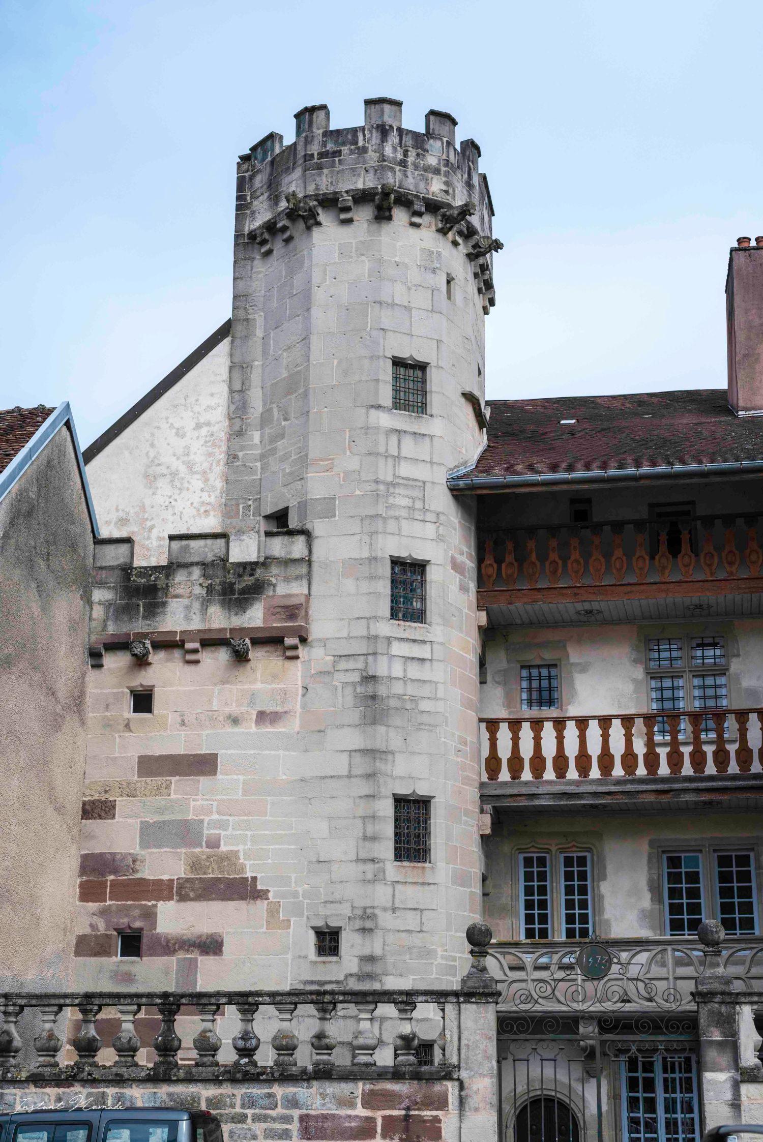 bâtiment historique luxeuil les bains vosges du sud