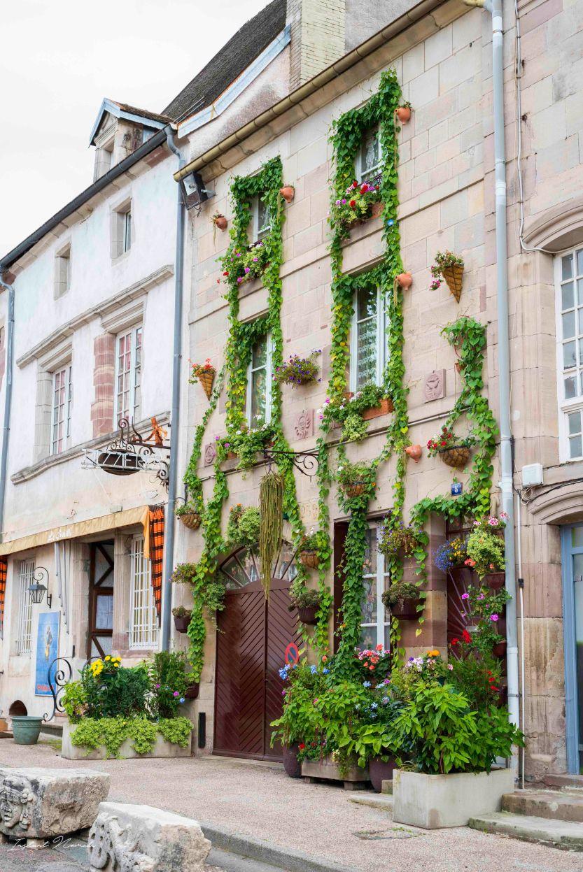 façade fleurie luxeuil les bains vosges du sud