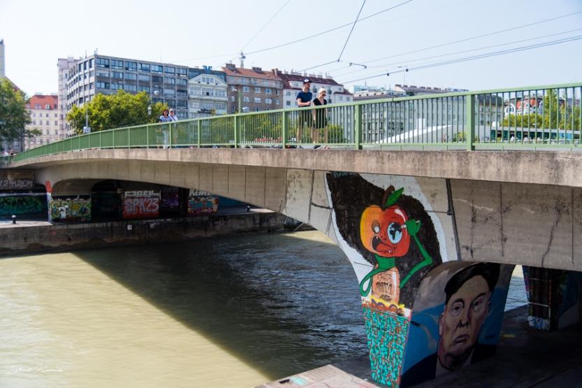 pont_vienne_streetart