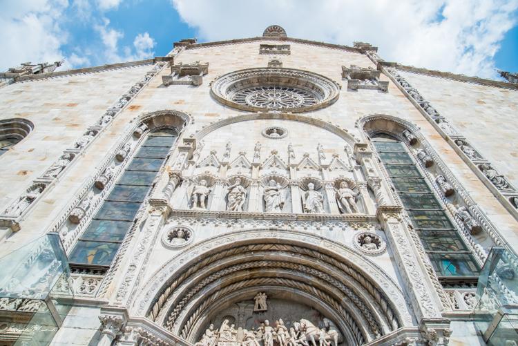 façade cathédrale come italie
