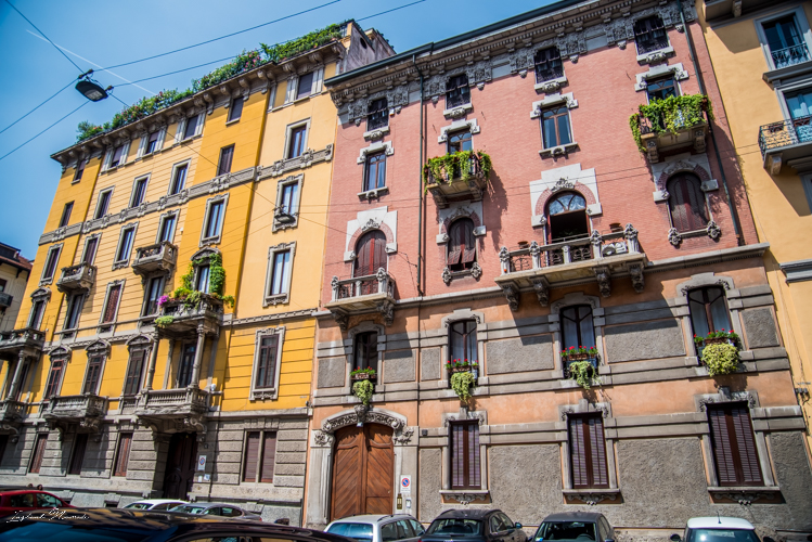 façade colorée milan italie