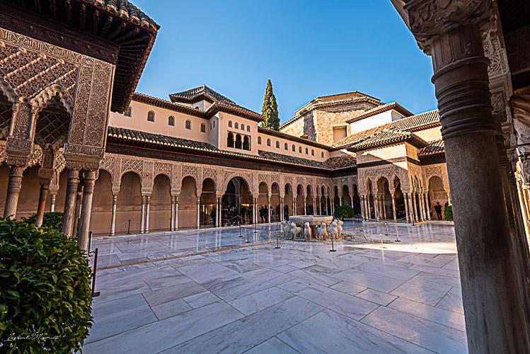 patio des lions alhambra
