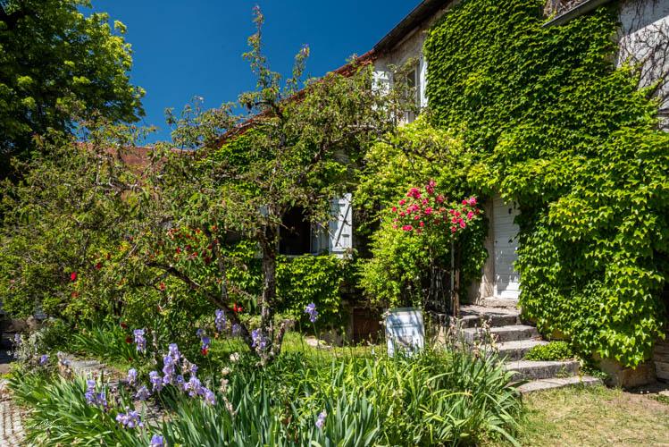 maison_fleurie_chateau_chalons_jura