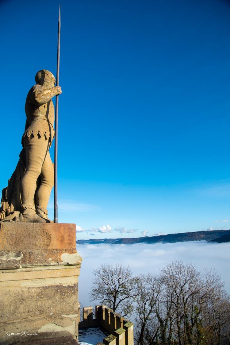 chateau hohenzollern statue