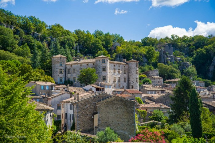 chateau vogue ardeche