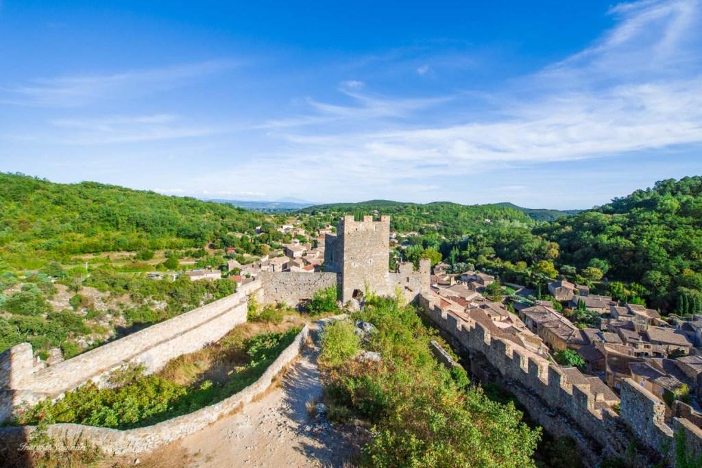 vue chateau saint montan