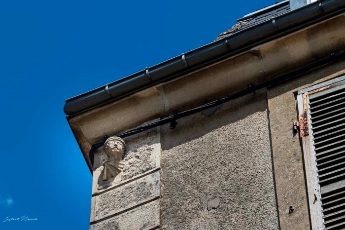 sculpture facade stenay